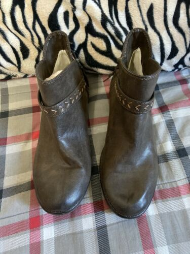 Womens Roxy Brown Shooties Ankle Boots Sz 9.5