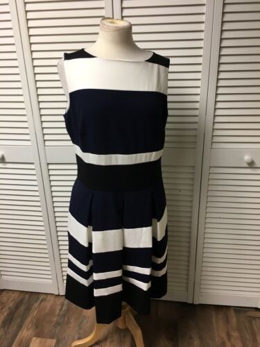Ralph Lauren Women's Size 14 Sleeeless Dress Large Stripes Pleated Around Waist