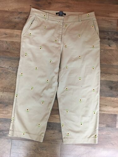 Briggs New York Women's Sz 12 Beige Capri Pants W/ Embroidered Sunflower Pattern