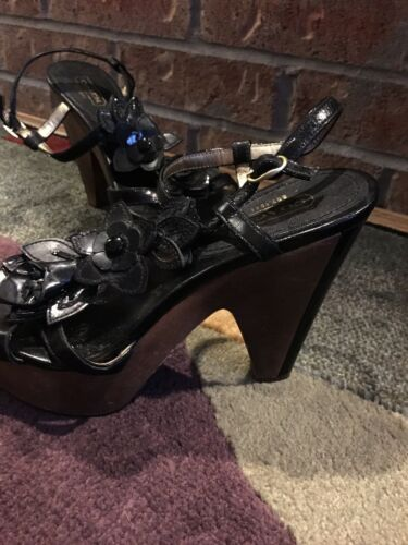 Coach Wedge Heels Black Flowers Open Toe W Clasp Strap Around Ankle Women's Sz 6