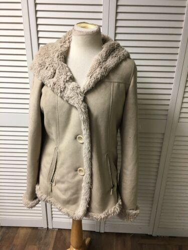 Jones NY Women's Sz M Soft Beige Coat W/ Hood, Furry Feel Inside, Zipper Pockets