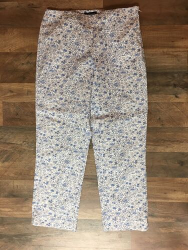 Ann Taylor Women's Size 6 Capri Pants White W/ Blue Flower Pattern, Side Zipper