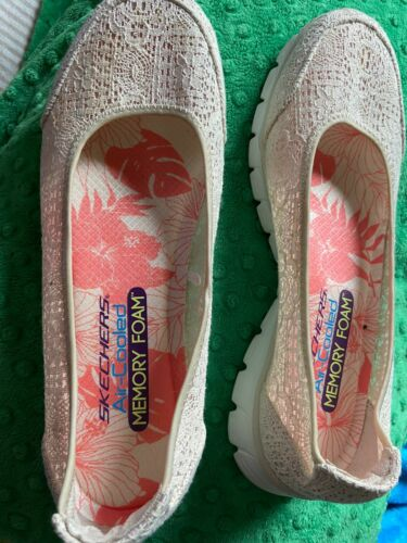 Womens Lace Biege Air Cooled Memory Foam Skechers Shoes Sz 9