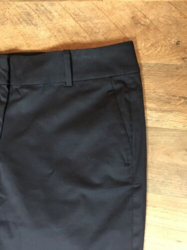 Ann Taylor Women's Size 8 Blacks Shorts Boardwalk Short Bermuda Style