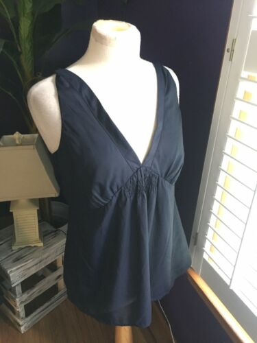 Banana Republic Women's Size Large Navy Blue Blouse Sleeveless Silky Feel V-Neck