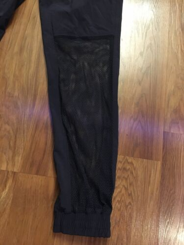 Reebok Women's Size Small Athletic Pants With Mesh Bottom