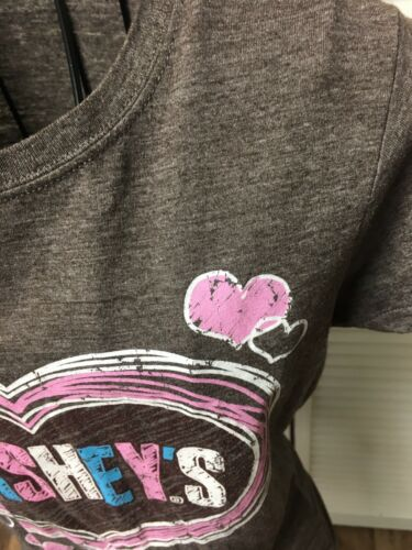 Hershey's Graphic Tshirt Women's Size Small Brown With Pink Blue Heart Pattern