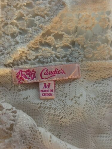 Candie's Junior's Size Medium Cream Color Lace Top W/ Flowy Short Sleeves V-Neck