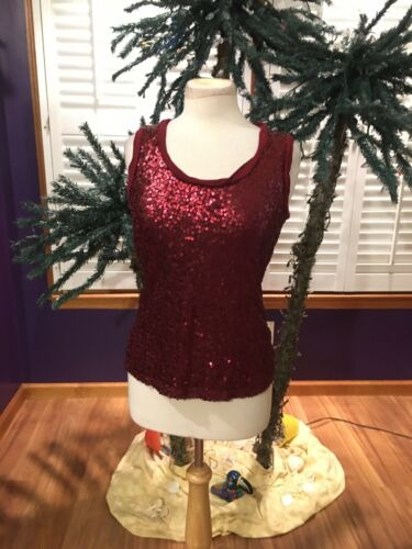 New York And Company Women's Size XS Burgundy Tank Top Sequins Front