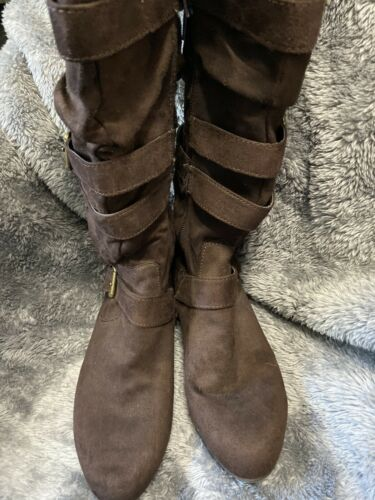 Womens Brown Bongo Faux Suede Buckle Boots Sz 7.5