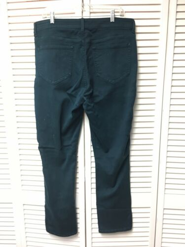 NYDJ Women's Size 16 Green Pants Legging Cut Lift Tuck Technology With Pockets