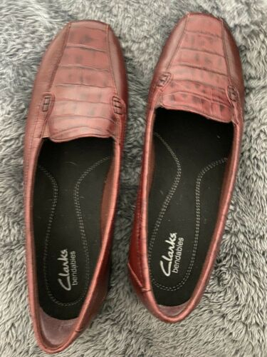 Clark Bendables Red Faux Crocodile Skin Slip On Flat Shoes Sz 10