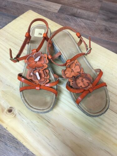 E. Motiva Women's Size US 7.5 Wedges W/ Orange Flowers And Straps Made In Italy