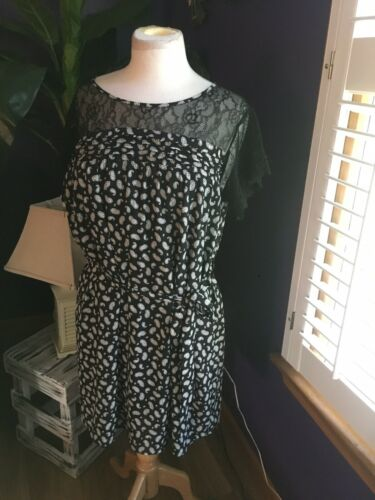 Eclair Women's Size Large Black And White Paisley Dress W/ Lace Top And Belt