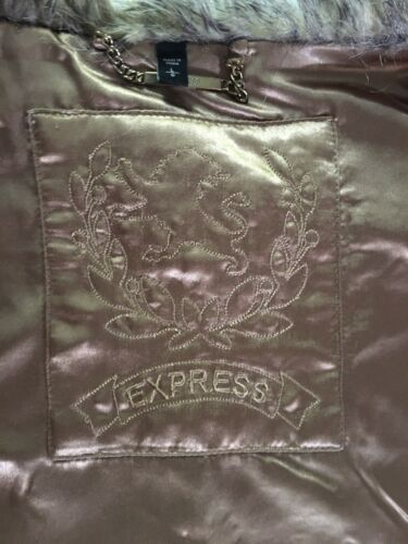 Express Women's Size Large Faux Fur Vest Clasp Closure Front W/ Pockets