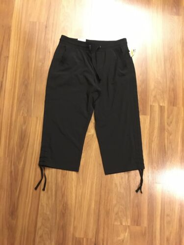NEW Style & Co Women's Size Medium Black Capri Pants Mid Rise Comfort Waist NWT
