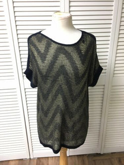 Chicos 1 Women's Knit Top Short Sleeves Navy Blue And Gold Zig-Zag Stripe Design