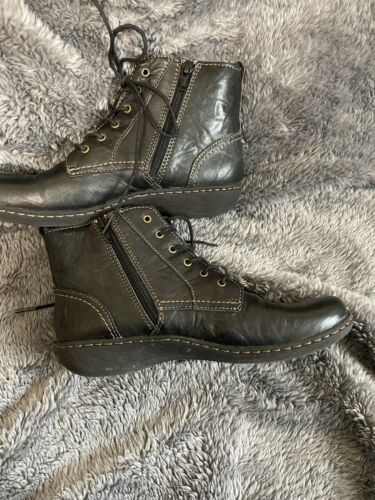 Womens Clarks Black Leather Ankle Boots Lace Up Sz 6.5