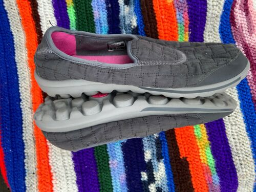 Womens Gray Skechers Quilted Memory Fur Loafers Slip On Sz 10