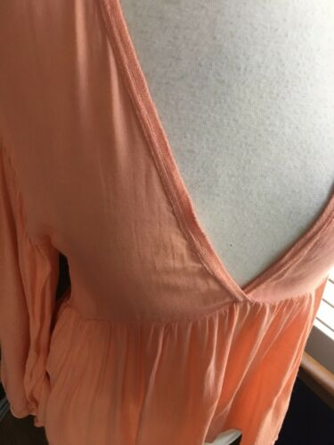 Zara Women's Size Medium Peach Colored V-Neck Blouse Long Sleeves NWT