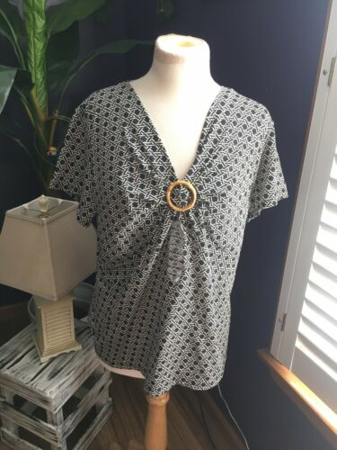 NEW Charter Club Women's Sz 2X Short Sleeve Blouse V-Neck W/ Ring In Center NWT