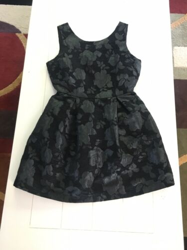 One Clothing Women's Size Medium Black Dress W/ Floral Pattern Zipper Back