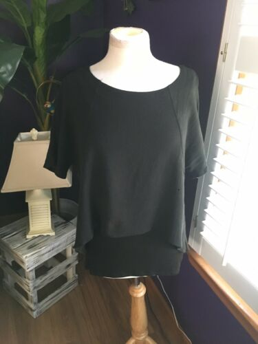Calvin Klein Women's Size Small Performance Quick Dry Black Short Sleeve Shirt