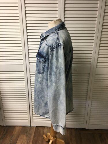 Earl Jeans Women's Size Medium Long Sleeve Button-Down Denim Blue Jean Style