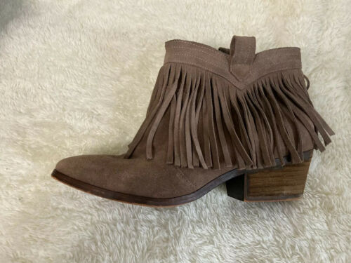 Restricted Tan Leather Suede Fringed Ankle Booties Pull On Sz 9.5