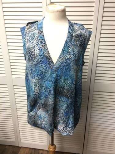 Apt. 9 Women's Size Medium Sleeveles Blue Blouse Button V-Neck NWT