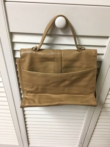 Liz Claiborne Handbag Beige Purse Magnet Closure Back Pocket