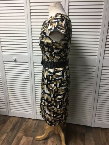 Rabbit Designs Women's Size 6 Brown/Beige Dress W/ Belt And Flowers At V-Neck