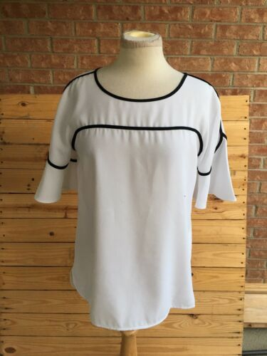 Alfani Women's Size 8 White Blouse With Black Accents Short Bell Sleeves