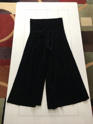 The Limited Women's Size Medium Black Flowy Pants Soft Velvet Like Feel