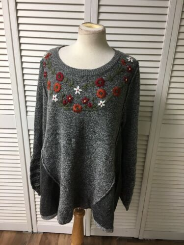 Knox Rose Women's Size XL Grey Long Sleeve Sweater W/ Embroidered Flower Design