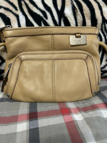 Tignanello Tan Peeble Leather Crossbody Shoulder Organizer Purse NWT