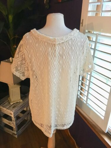 Women's Size 1X Cream Colored Knit Top Short Sleeve Blouse