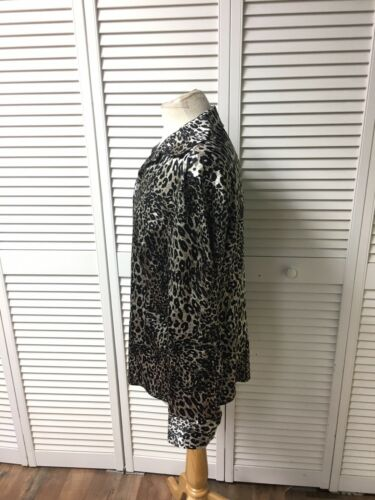 Jones NY Women's Sz 14 Leopard Print Blouse Long Sleeve Button-Down Silky Feel