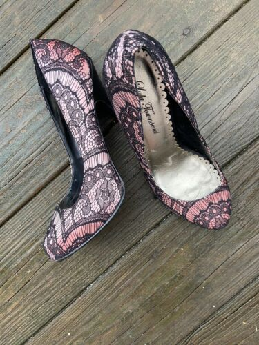 lulu townsend shoes Black Lace Over Pink Sz9