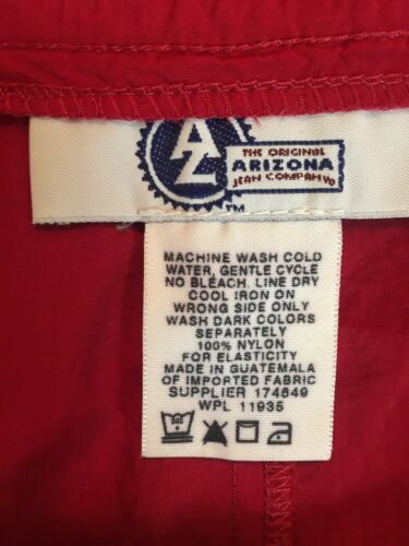 Arizona Women's Size 13 Red Shorts With Back Pocket