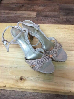 Christian Siriano Women's Size US 8 Heels Strap Across Top Open Toe Buckle Ankle