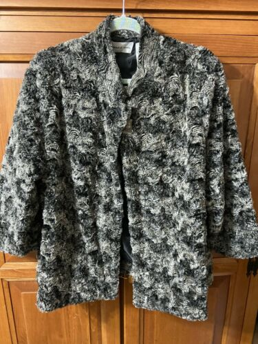 Alfred Dunner Faux Fur Black/ Grayish Cape Jacket Sx 18