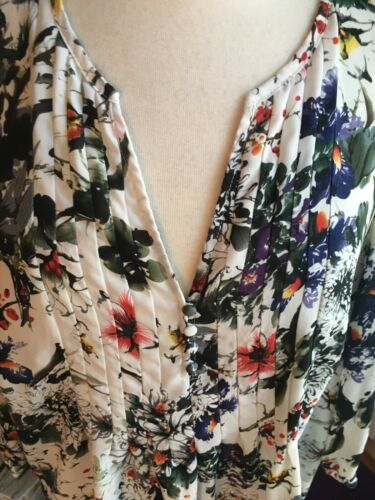 "Women's Long Sleeve Blouse Multicolor Floral Print Flowy 47"" Chest, 27"" Length"