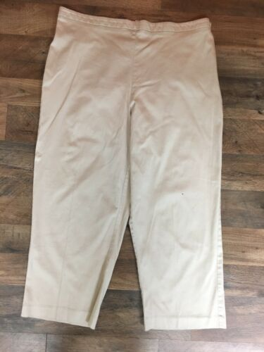 Collection By Jennifer Moore Women's Size 18 Kahki Color Capri Pants Side Zipper