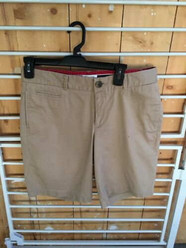 Dockers Women's Size 6 Khaki Bermuda Shorts Low Rise Slightly Curvy