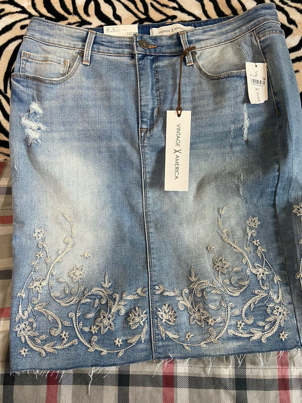 Women's Vintage America Blue Jean Skirt Embroidered Hem Sz 10/30 New With Tag