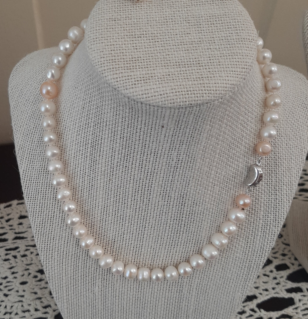 Freshwater Pearl Necklace (16.5 in. length when stretched)