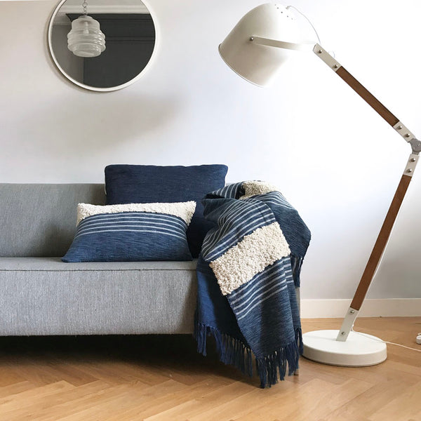 Cushion Tribal indigo blue