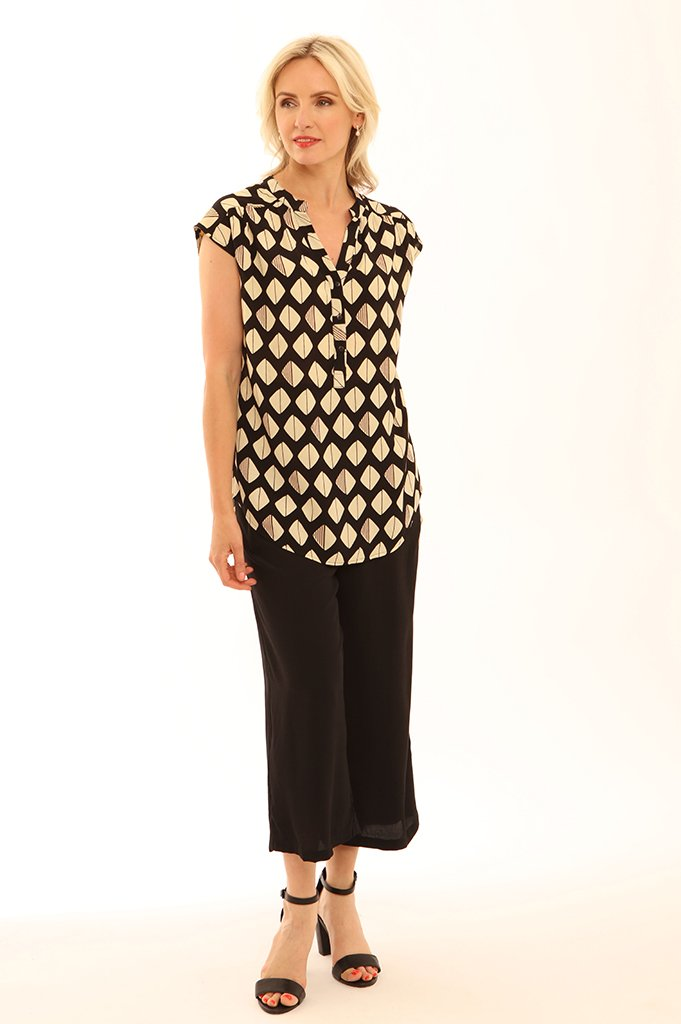 Black and cream diamond print top with mandarin collar