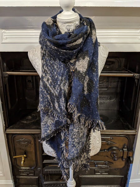 Women's blue animal print blanket scarf